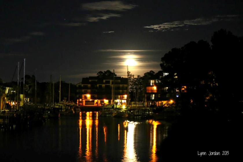 marina moonrise